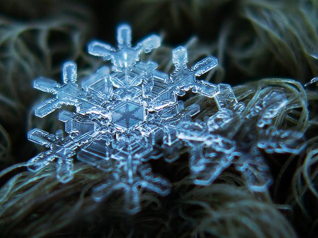 fstoppers-snowflakes-alexey (5)