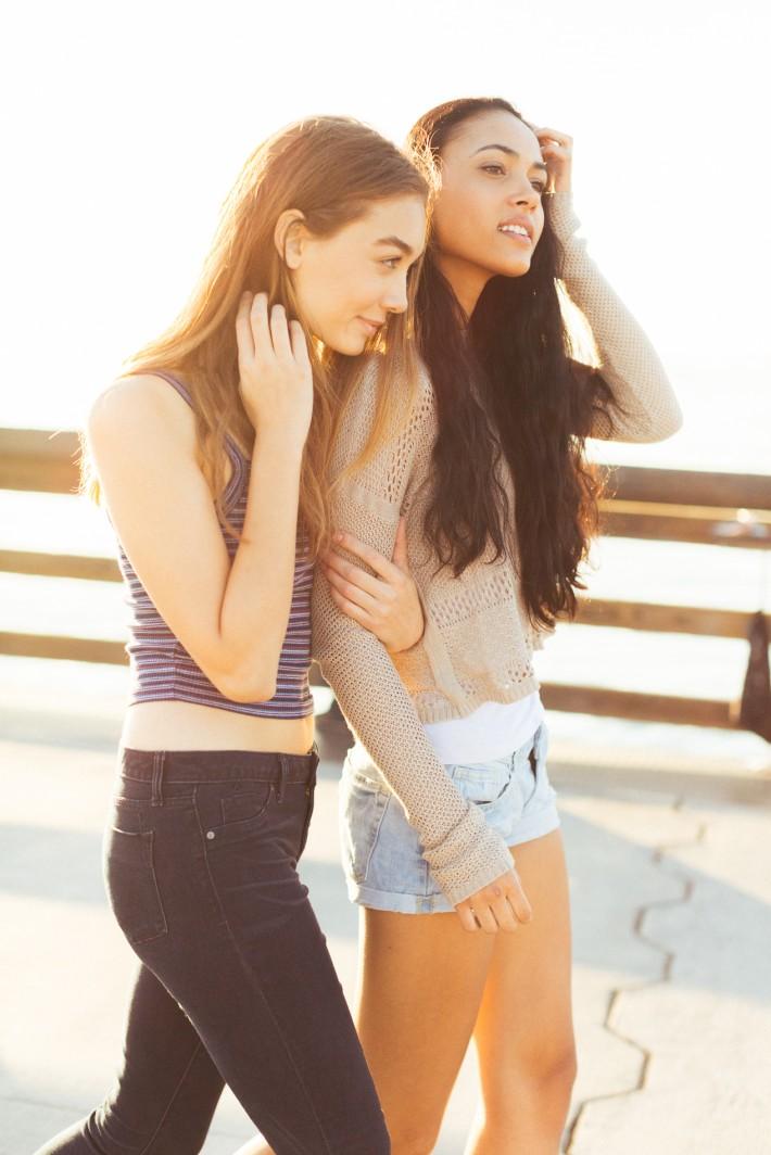 john-schell-newport-beach-california-lifestyle-sydney-la-models-two-girls-sunset