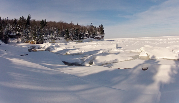 fstoppers-mike-wilkinson-frozen-shore-photo1