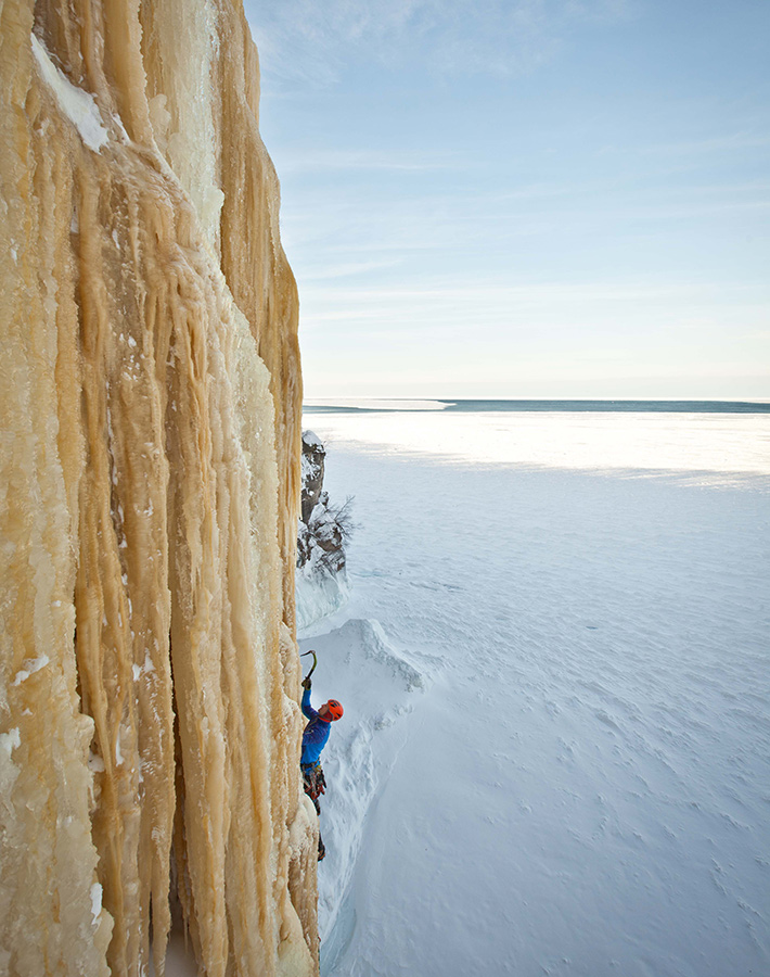 fstoppers-mike-wilkinson-ice-climbing-photo6
