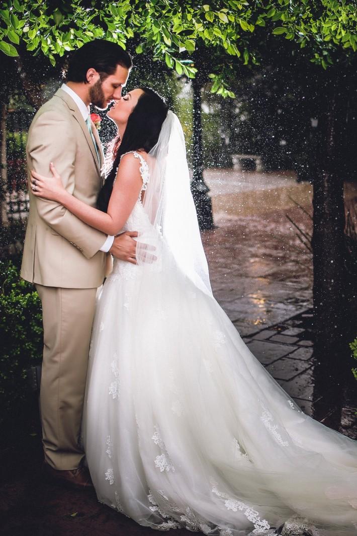 Using_Rain_On_Wedding_Day_To_Create_Beautiful_Photos_Trevor_Dayley
