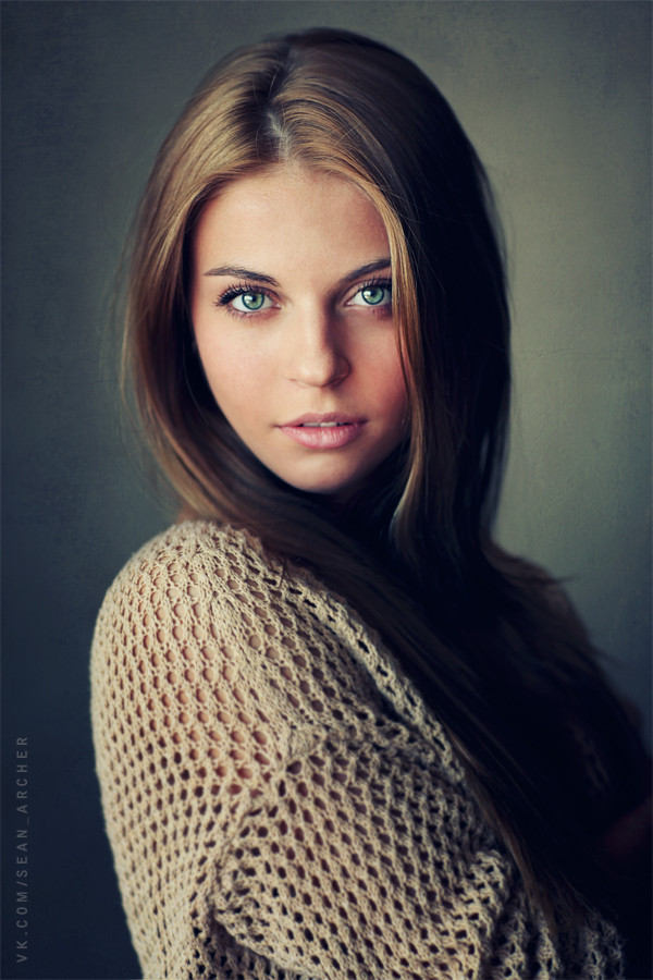fstoppers-dani-diamond-sean-archer-stansilav-puchkovsky-natural-light-female-model-portrait-photographer18