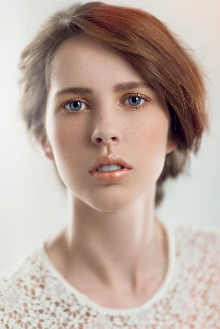 Fstoppers-michael-woloszynowicz-studio-portrait-toronto